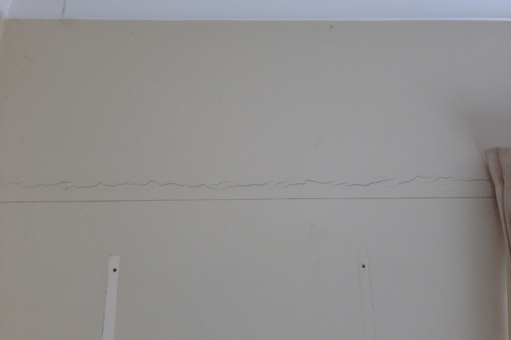 Cracks in Wall - Sturctural Building Repairs - Remedial Building Services